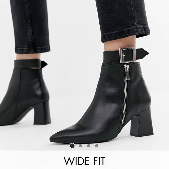 562a833afc0 NWOB Depp Boots *Wide Fit*